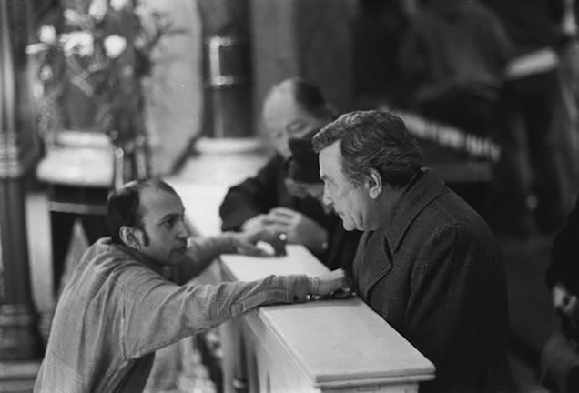 <i>Suri Krishnamma directs Albert Finney in</i> A Man of No Importance (1994).<i> Photo: Suri Krishnamma.</i>